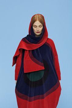 Fruuga dress and Oleillaan scarf, design by Sofia Järnefelt for Marimekko, print design by Annika Rimala.