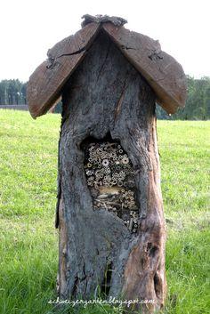 Ein Schweizer Garten: Wildbienenhotel