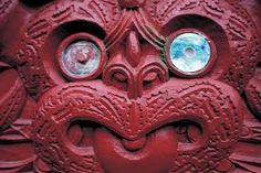 Maori oral traditions state that, upon arrival in New Zealand, they found that there was a large, well-established population already living in the country. Maori Patterns, Maori Art, Aboriginal Art, South Pacific, School Design, Elves, New Zealand, Bing Images, Lion Sculpture