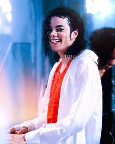 Michael Jackson Hot, Michael Jackson Dangerous, Janet Jackson, Jackson Bad, Beautiful Person, Most Beautiful, Mj Dangerous, Gorgeous Black Men, Famous Singers