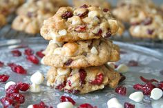 White Chocolate Oatmeal Cranberry Cookies - #chocolate, #cookies, #recipe