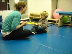 Core strengthening ideas, plus a great explanation on how core weakness affects balance, coordination, and even fine motor skills. Gross Motor Activities, Gross Motor Skills, Sensory Activities, Therapy Activities, Sensory Tools, Physical Activities, Pediatric Occupational Therapy, Pediatric Ot, Yoga For Kids