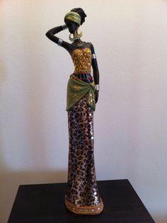 Estatua de la mujer africana estatuilla Tanzania tribu Masai
