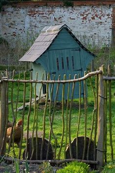 THE HEN HOUSE - twig gate