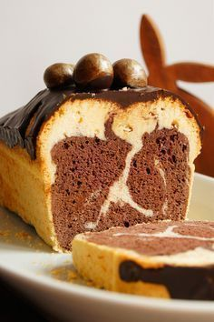 Bezglutenowa babka piaskowa (6 składników) - Wilkuchnia Healthy Cake, Healthy Sweets, Healthy Food, Gluten Free Desserts, Gluten Free Recipes, Easy Eat, Different Cakes, Food Now, Something Sweet