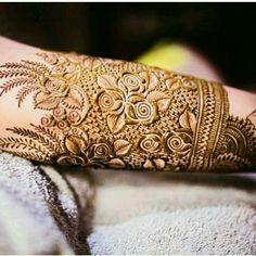 Prettiest Mehendi Designs For The Bride-To-Be Mehandi Designs Latest Henna Designs, Stylish Mehndi Designs, Mehndi Design Photos, Wedding Mehndi Designs, Beautiful Henna Designs, Best Mehndi Designs, Beautiful Mehndi, Tattoo Designs, Mehndi Designs For Hands