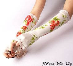 Wedding Bridal fingerless gloves mittens arm warmers by WearMeUp
