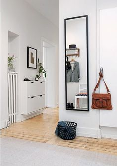 Отопление hallway inspiration, home decor inspiration, modern entryway, ike Hallway Inspiration, Decoration Inspiration, Interior Inspiration, Style At Home, Interior Design Minimalist, House Entrance, Bedroom Storage, Entryway Storage, Wall Storage