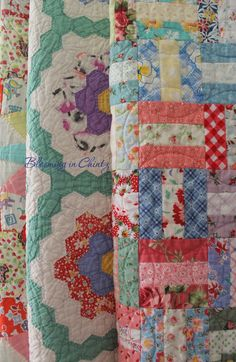 Vintage Quilt - Feed Sack Fabrics Love these materials from feed sacks,sugar sacks and flour sacks. Depression quilting at its best. Quilts Vintage, Old Quilts, Antique Quilts, Scrappy Quilts, Vintage Quilts Patterns, Vintage Prints, Quilting Projects, Sewing Projects, Shabby Chic Vintage