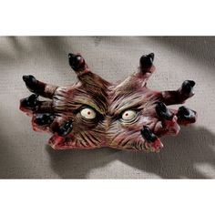 Add impact to your interior design with the Design Toscano The Creepy Thing Wall Sculpture . It is cast in durable materials and is hand-painted. Halloween Skeletons, Halloween Diy, Halloween Decorations, Halloween Stuff, Skeleton Decorations, Halloween Design, Halloween House, Happy Halloween, Arkham Asylum