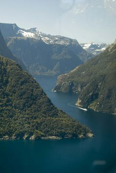 TE ANAU - MILFORD SOUND Whether you book a cruise or flight from Queenstown to Milford Sound, or drive down to Te Anau, Milford Sound and all of Fiordland is a must-do. See separate board for Fiordland.