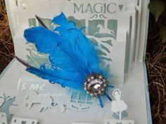 Feather Corsages for the wedding party ....lovely ^0^