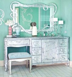 girl\'s shiny suite
