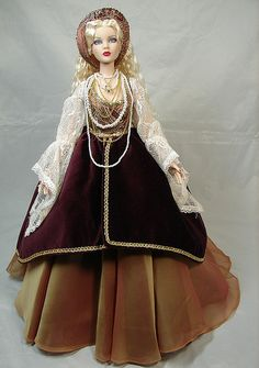 Tonner Cami wears Ellowyne's Renaissance outfit