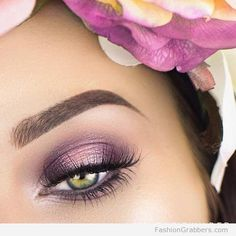 pretty green eye makeup with lilac eye shadow! You will love this! Check now <3
