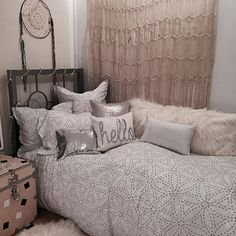 Hello from the other side of Monday | dormify.com College House, College Dorm Rooms, College Apartments, Teen Bedroom, Bedroom Inspo, Bedroom Decor, Bedroom Ideas, Bedrooms, College Bedding