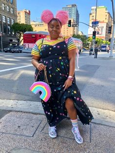 Even though typing these words make me feel like a fragile baby chick with no feathers… Today, I'm coming out as bisexual 🏳️‍🌈. Black Girl Aesthetic, Aesthetic Fashion, Aesthetic Clothes, Look Plus Size, Plus Size Girls, Fat Girl Fashion, Curvy Fashion, Curvy Girl Outfits, Plus Size Outfits