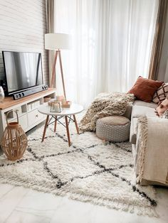 Small Apartment Interior, Small Apartment Living, Living Room Interior, Home Room Design, Living Room Designs, Boho Living Room, Living Room Decor, Small Living Rooms, Living Room Inspiration