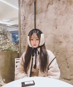 Uzzlang Girl, Ulzzang, Raincoat, Korea, Asian, Elegant, Hats, Sexy, Pretty