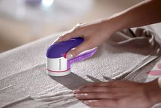 Philips Electric Lint Removers - One of Best Fabric Shavers Grease Remover, Lint Remover, Vera Wang Perfume, Make Your Own Gin, Fabric Shaver, Philips, Brush Cleaner, Travel Size Products, Home Gifts