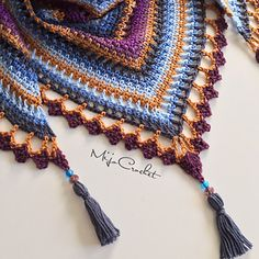 Taiga Shawl pattern by Johanna Lindahl Ravelry: Taiga Shawl by Johanna Lindahl Poncho Au Crochet, Crochet Shawls And Wraps, Knit Or Crochet, Crochet Scarves, Crochet Crafts, Crochet Clothes, Crochet Projects, Free Crochet, Crocheted Scarf