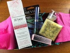 December 2014 Onyx Box Subscription Box Review - http://mommysplurge.com/2015/01/december-2014-onyx-box-subscription-box-review/