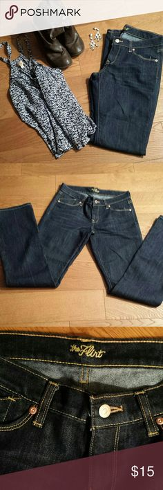 "Old Navy Flirt Jeans sz 2R Excellent condition, Inseam 32"" and waist is 15"" Old Navy Jeans"