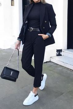 Mode femme tenue casual chic printemps Source by outfits casual chilly Adrette Outfits, Blazer Outfits Casual, Neue Outfits, Winter Fashion Outfits, Cute Casual Outfits, Look Fashion, Stylish Outfits, All Black Outfit Casual, White Slip On Outfit
