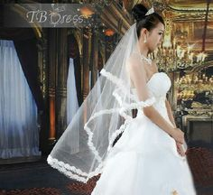 Love this veil !! Its so pretty and so elegant