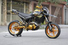 Yamaha XT660R Supermotard Gold Edition   Polaco Motos - desenvolvimento e Preparações