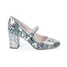 6924a07db17 19 meilleures images du tableau Chaussures à paillettes