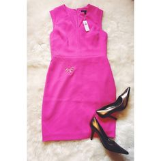 Banana Republic V-neck Pencil Dress Flattering!! Such a gorgeous color, cut and fabric! The detailing and structure of this dress make it extra chic...and the color adds fun! The perfect addition to your spring/summer wardrobe! BNWT. Never worn. Banana Republic Dresses