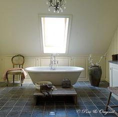 Styling & Living badkamer kalkverf van Pure & Original | Greatness ...