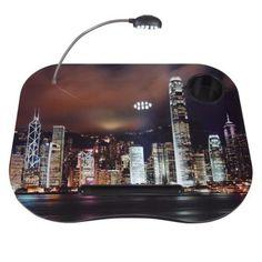 Práctica mesa portátil. Modelo Hong Kong.  http://www.cosaspararegalar.es/ideas-para-regalar/regalos-practicos/mesas-tablet/mesa-pc-hong-kong.html