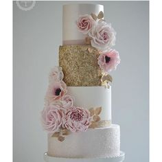 "@storybook_bliss's photo: ""Gorgeous elegant cake design by @cottonandcrumbs #cake #cakeart #cakedesign #sweets #elegant #storybookbliss #interior #posh #wedding #weddingbliss #birthday #babyshower"""