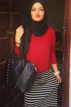 black and white striped maxi skirt, black hijab, red jersey blouse Islamic Fashion, Muslim Fashion, Modest Fashion, Hijab Fashion, Fashion Outfits, Modest Wear, Modest Outfits, Hijabs, Hijab Look