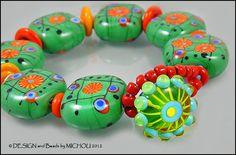"MICHOU - Lampwork Beads - Knotted, handmade glass bead bracelet - ""Dandelion"""