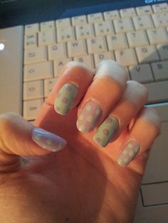 Nail art. With dotting tool