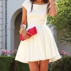 Cute dress LOVE the accessories !!