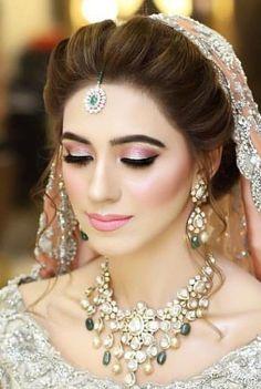 Types Of Bridal Makeup Hd Makeup, Mask Makeup, Heavy Makeup, Airbrush Makeup, Skin Makeup, Makeup Trends, Bridal Beauty, Bridal Makeup, Wedding Makeup