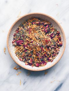 All About Herbal Yoni (aka Vaginal) Steaming - Wu Haus 🌸 100% Natural Steam Herbs Blend – Formulated with flowers, rose petals, rosemary, mugwort, yarrow leaf, motherwort, plantain and red raspberry, this natural organic bath steam blend helps clean and rejuvenate vaginal areas for balanced comfort.🌸 Organic Vaginal Cleanse – The revitalizing steam can help reduce common menstrual cycle issues like bloating, cramping, pain, or even infections, while also providing hemorrhoid, menopausal or… Yoni Steam Herbs, V Steam, Steam Recipes, Facial Steamer, Organic Herbs, Menstrual Cycle, Natural Medicine, Herbalism, Red Raspberry
