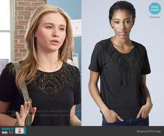Amy's black beaded top on Faking It.  Outfit Details: http://wornontv.net/52101/ #FakingIt (altered)