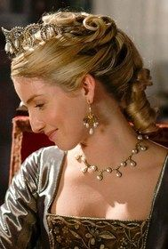 Renaissance hairstyle. Annabelle Wallis as Jane Seymour on The Tudors.