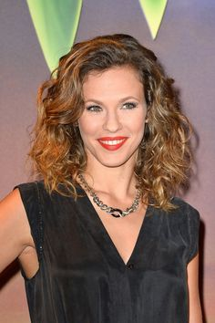Singer Lorie attends 'Clochette et la Fee Pirate' Premiere at Gaumont Champs Elysees on March 2014 in Paris, France. Get premium, high resolution news photos at Getty Images Film Gif, Video Film, Laura Lee, Billy Crawford, Beautiful Smile, Beautiful Women, Pirate Fairy, Star Francaise, Gaumont