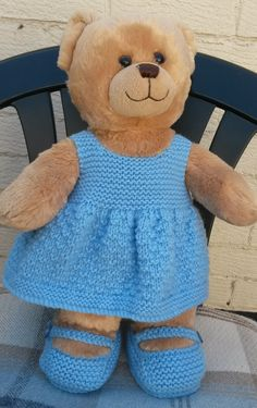 an easy free pattern and shoes ideal for build a bears http://linmary123.blogspot.com/2015/04/teddy-knitted-dre ss-and-shoes.html