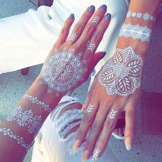 Let your imagination run wild and try this trend. Art is wonderful. When a man is inspired and has imagination he can create beauty from nothing. And so in this case, when you work henna tattoos on the hands and… Continue Reading →