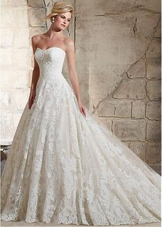 Luxurious Tulle Sweetheart Neckline A-line Wedding Dress With Sequin Lace Appliques