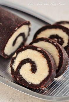 ROLADA KOKOSOWA BEZ PIECZENIA Köstliche Desserts, Delicious Desserts, Yummy Food, Sweet Recipes, Cake Recipes, Dessert Recipes, Banana Pudding Recipes, Healthy Cake, Christmas Desserts