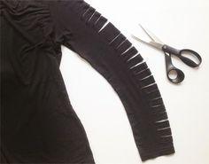 Veja como fazer para customizar mangas de camiseta ou blusa. Faça tirinhas nas mangas e crie um efeito de customização muito interessante.