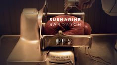 """""""Submarine Sandwich"""" by Adam Pesapane (PES)  vídeo creado en StopMotion que juega con las imágenes y objetos cotidianos creando un lenguaje visual surrealista. Para inspirarse y crear!"""